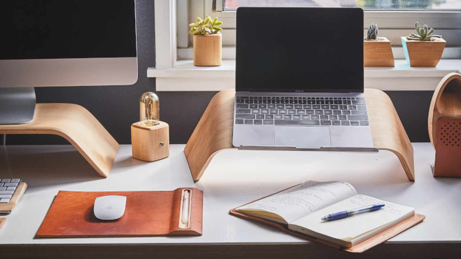 7 Home Office Hacks That will Save You Tons of Space