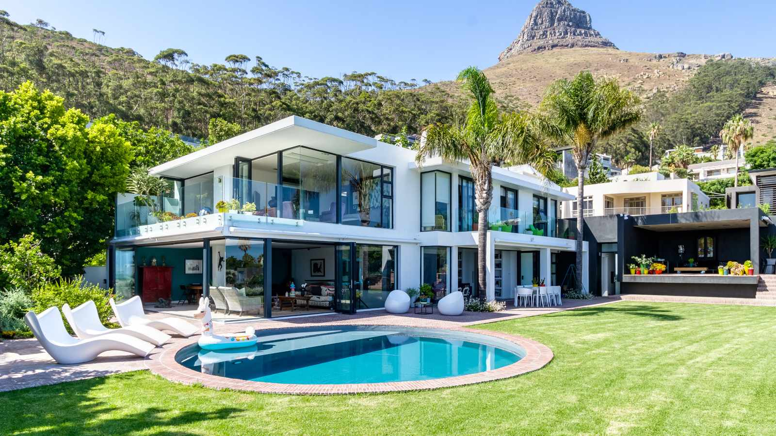 SEE: Film famous real estate