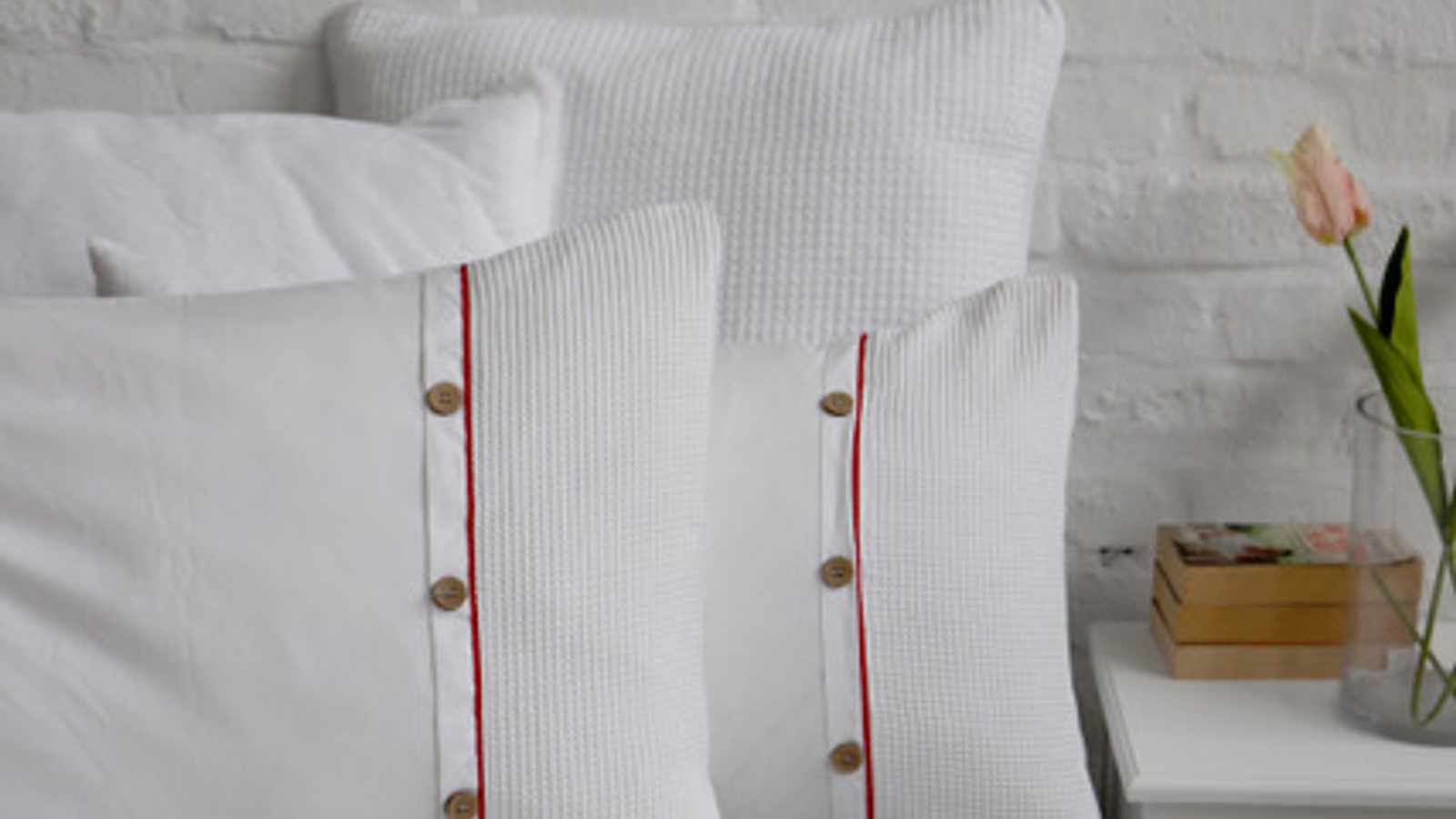 Winter linen you can disappear into
