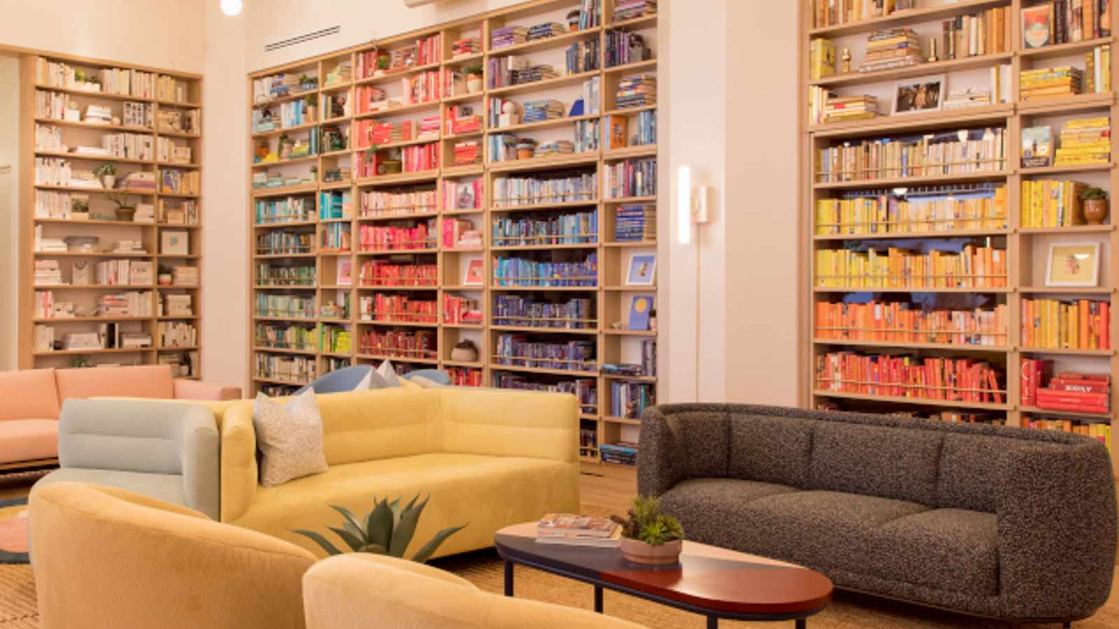 5 ideas for decorating with books