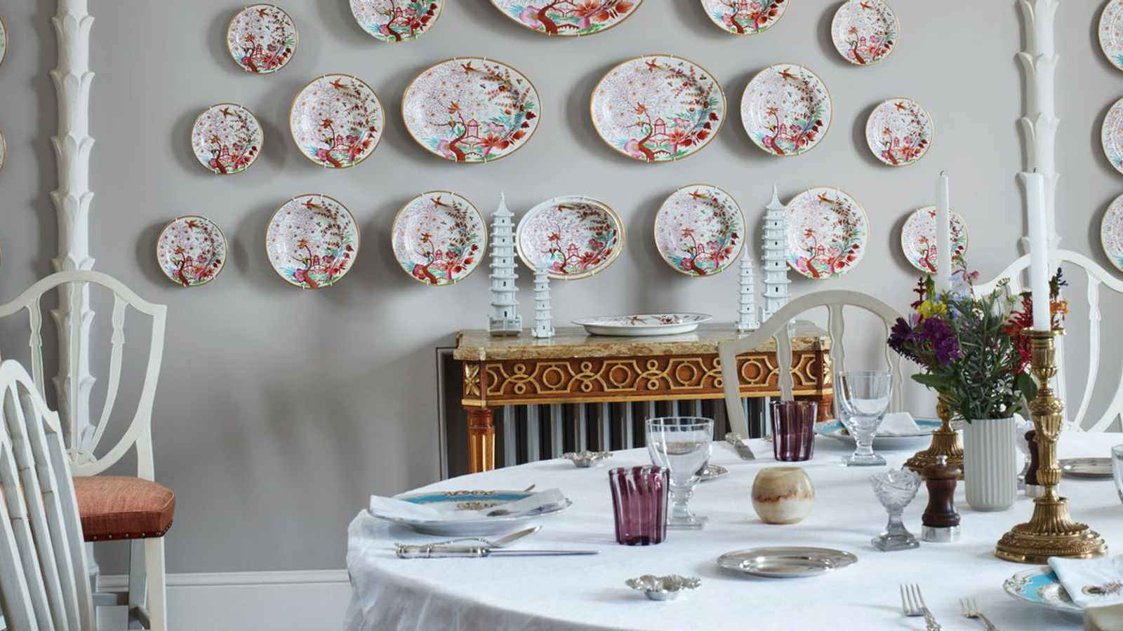 Stylish People Are Putting Plates on Walls—and We're Here for It