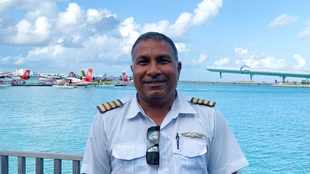 Barefoot flying, misconceptions and incentives: 5 minutes with a seaplane pilot