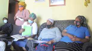 Foster moms in Khayelitsha area unhappy with their treatment by social development