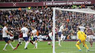 West Ham United rock Tottenham as Leicester City take sting out of Brentford