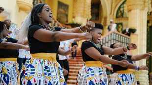 WATCH: Sun City's live flash mob will make you feel proud to be a South African