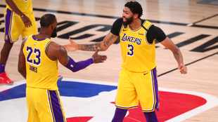 Anthony Davis, LeBron James help Lakers clobber Rockets on the glass