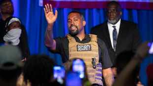 Kanye West says music industry needs to enter 'the 21st century'