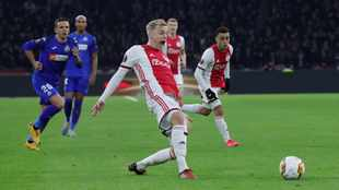 Donny van de Beek to wear special number at Manchester United as a tribute to Abdelhak Nouri