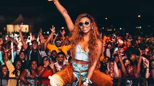 Did DJ Zinhle throw shade at AKA's crowd surfing moment?