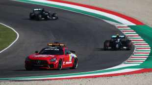 F1 safety car restarts are putting drivers at risk, says Lewis Hamilton