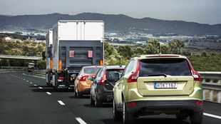 Driverless Volvos take to public road