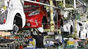 Vehicle sales recovery hampered by stock shortages