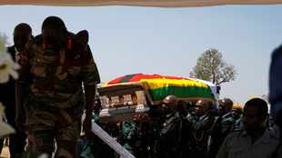 We want Robert Mugabe's body to pass through rural home by road - spokesperson