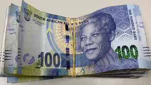 Rand surrenders its gains as consumer confidence drops to lowest in 35 years