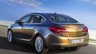 Opel's latest Astra grows a boot