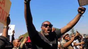 Artists who protested lockdown regulations on N3 appear in court as scores gather in support