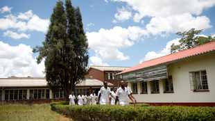 Zimbabwe nurses end three-month pay strike