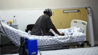 A Covid-19 patient at the Khayelitsha District Hospital. Picture: Phando Jikelo/African News Agency (ANA)