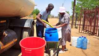 A file picture of Hammanskraal residents getting water from a truck. Picture: Bongani Shilubane/African News Agency (ANA)