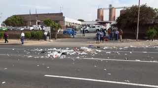 A picture of the protest in Vredenburg on Tuesday. @SAPoliceService