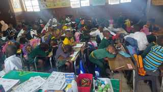 A video and images of pupils from Welile Moshoeshoe Primary School in Amaoti, Inanda, shared with the Daily News anonymously shows that the school failed to adhere to the Covid-19 regulations, as there was no social distancing and pupils were not wearing masks. Picture: Supplied