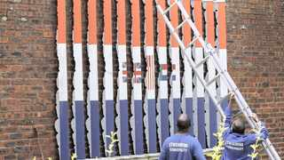 Artwork depicting the old and new South African flags was removed from Durban's Botanic Gardens yesterday after the city said it had received numerous complaints about it being offensive.   Motshwari Mofokeng & Gcina Ndwalane/African News Agency(ANA)
