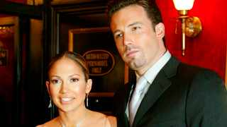 Ben Affleck and Jennifer Lopez are seen at the world premiere of the film 'Maid in Manhattan' in this December 8, 2002. Picture: Reuters/Jeff Christensen/files