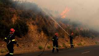 Ben Levitas writes that during this time of assessment as to the causes and prevention of fires on Table Mountain, it is essential to put the blame squarely on the right shoulders. Picture: Tracey Adams/African News Agency (ANA)