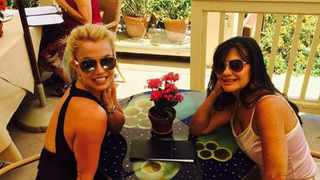 Britney and Lynne Spears. Picture: Bang Showbiz