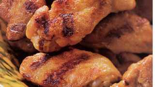 Chicken wings / Food and Entertainment