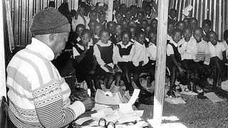 Children in an overcrowded classroom. pic aamarchives