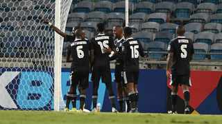 Deon Hotto of Orlando Pirates celebrates scoring a goal with teammates during the 2021 CAF Confederation Cup match against Enyimba. Photo: Sydney Mahlangu/BackpagePix
