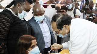 Dr Nerika Maharaj from Prince Mshiyeni Hospital was the first person in KwaZulu-Natal to receive the Johnson and Johnson vaccine, which was administered by Dr Aung Myint. | Doctor Ngcobo African News Agency (ANA)