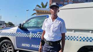 Durban Metro traffic warden Nhlananipho Bright Dlamini has been applauded for going the extra mile. Picture: Supplied