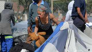 """Homeless people from a settlement next to the Green Point tennis courts, also referred to as """"Tent City"""", were evicted by the City on Monday afternoon. Photographer: Armand Hough/African News Agency(ANA)"""
