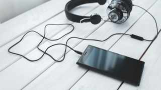 If you have headphones, you need to clean them every now and then. Picture: Pexels/Kaboompics