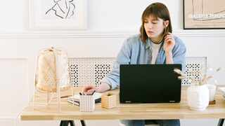It's fairly easy to set a home workspace. Picture: Pexels