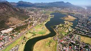 Marina Da Gama residents are demanding the results of the E coli levels on the Zandvlei Nature Reserve waterbody following its 10-week closure. File picture: Rogan Ward