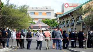 Massive queues at Gatesville Melomed vaccination centre in Cape Town as healthcare workers lined up for the vaccine. Picture: Ayanda Ndamane African News Agency (ANA)