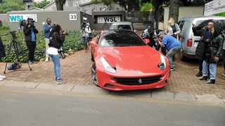 Media gather outside Blackhead Consulting HQ in Bryanston as the NPA, AFU and the Hawks are expected to freeze assets here as it is allegedly gained through fraud and corruption. Blackhead is involved in a 2014 asbestos project in the Free State worth R255m. Picture:Timothy Bernard /African News Agency(ANA)