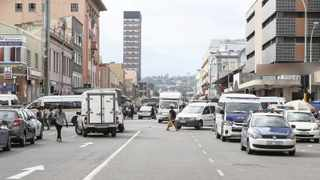 Metro police officers stationed at the corner of Ingcuce Road (Albert Street) and Denis Hurley (Queen) Street in the Durban CBD. Businesses are being driven out of central business districts across the province due to crime. Leon Lestrade African News Agency (ANA)