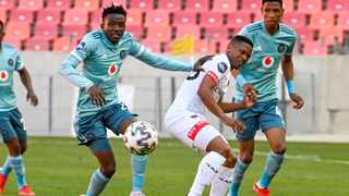 Naverdie Makhubela of Orlando Pirates and Thabiso Lebitso of Chippa United fight for ball during their DStv Premiership game at Nelson Mandela Bay Stadium in Gqeberha on Saturday. Photo: Deryck Foster/BackpagePix