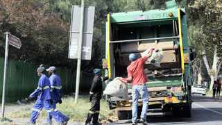 Pikitup workers collecting trash in Kensington after their month-long strike came to an end on Saturday night after the City of Johannesburg and the South African Municipal Workers Union (Samwu) reached an agreement.013 Photo: Matthews Baloyi 2016/04/10