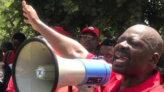 SACP secretary-general Solly Mapaila told the crowd that his organisation and alliance partners would be taking part in rolling mass action to protest US foreign policy in the Middle East. PHOTO: Jonisayi Maromo/ANA