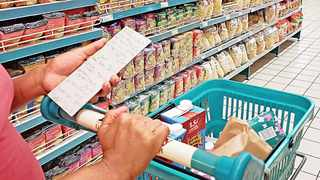 South Africa's headline consumer inflation slowed to 4.1 percent in September, down from 4,3 percent in August as shown by the consumer price index. African News Agency (ANA)