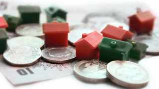 Statistics show that the wage gap makes it more challenging for women to enter the property market.     African News Agency (ANA)