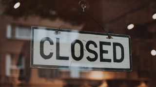 Taxi strikes have taken a turn for the worse in Cape Town forcing several restaurants to shut their doors to ensure the safety of their employees. Picture: Pexels/Foto Grafierende