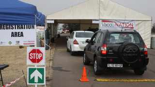 The drive-through vaccination site at Zwartkops Raceway. Picture: Jacques Naude/African News Agency (ANA)