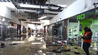 The large-scale looting and burning of malls in KwaZulu-Natal and Gauteng has brought insurance cover to the fore once again. Picture: Itumeleng English/African News Agency(ANA)