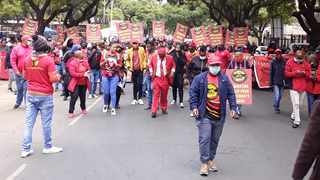 Thousands of municipal workers affiliated to Samwu march to Tshwane House for salary increases. Picture: Rapula Moatshe
